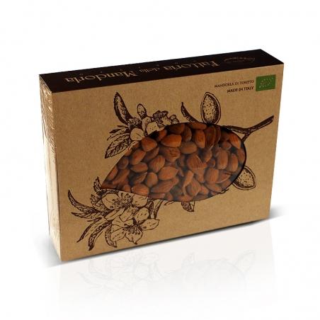 immagine della confezione della Mandorla di Toritto Bio | Fattoria della Mandorla Gr 500, vista frontale e particolare delle man