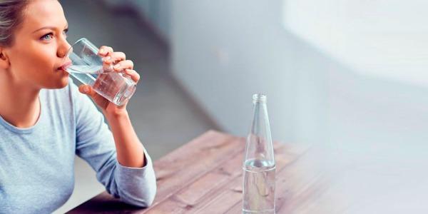 Dieta dell'Acqua Idrogenata: Sfrutta le Proprietà dell'Idrogeno per Perdere Peso