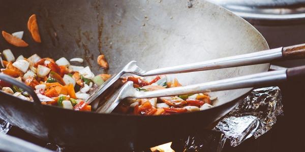 Come saltare le verdure con il wok