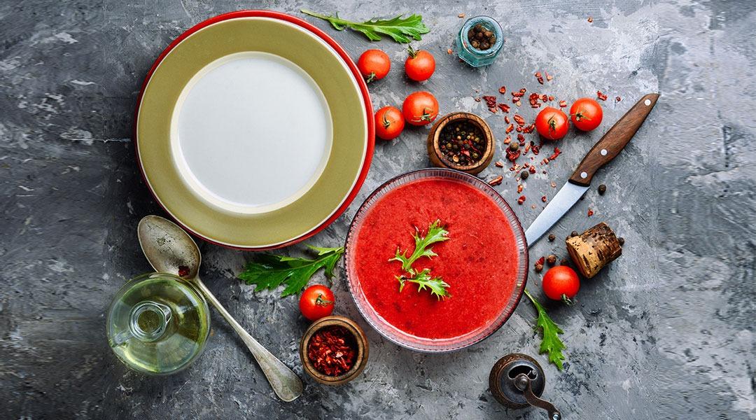 Ricetta Del Gazpacho Andaluso.Gazpacho Ricetta Originale A Crudo Senza Uso Del Frullatore Alternativa Gustosa E Salutare Siquri Com Store